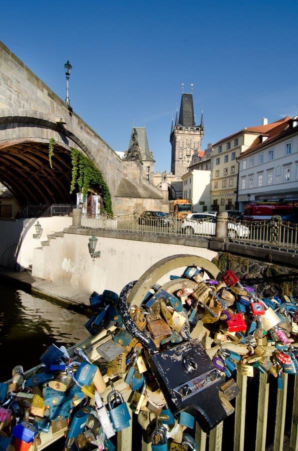 Замки влюбленности в Праге стоковое фото