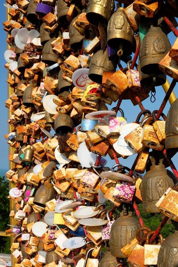 Замки влюбленности на холме Kuan тяни стоковая фотография rf