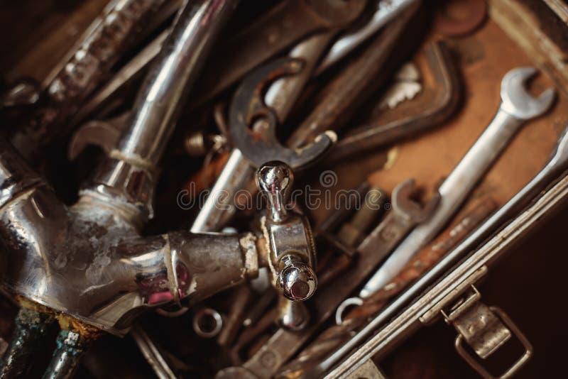 Замки и ключи инструментов стоковые изображения rf