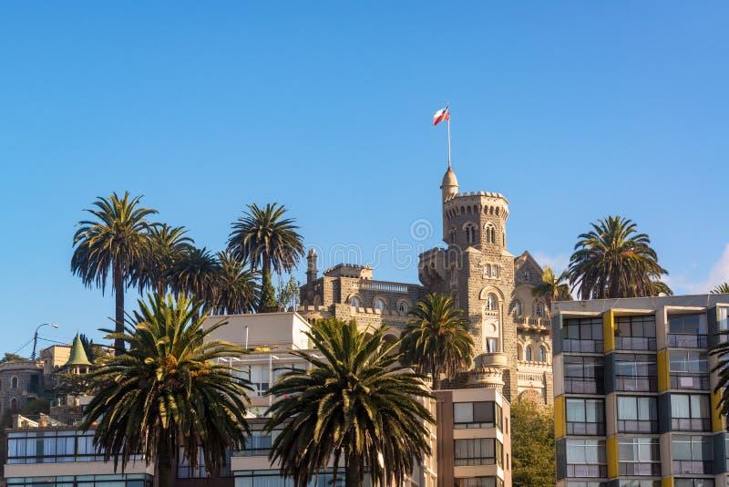 Замок брюнет в Vina Del Mar стоковые фотографии rf