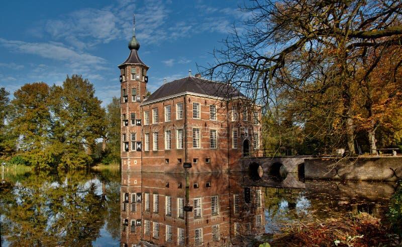Замок в осени стоковое фото