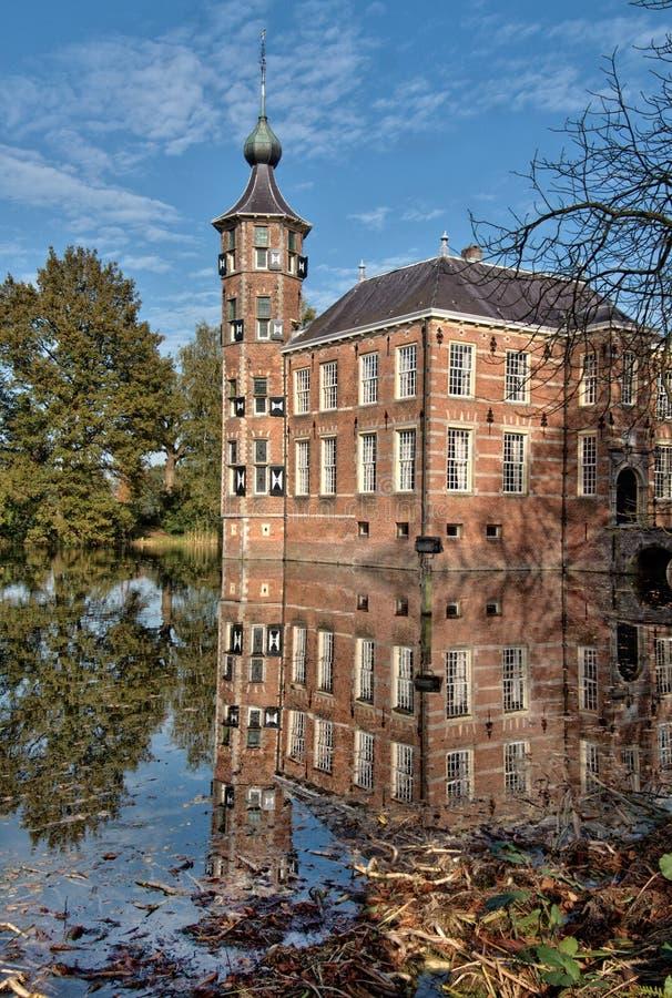 Замок в осени стоковые фотографии rf