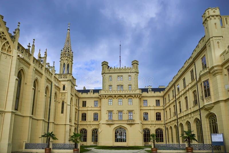 Замок в Lednice - уникальный ориентир ЮНЕСКО стоковая фотография rf