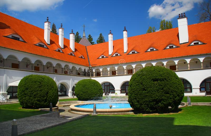 Замок в Topolcianky от XV века Словакия стоковое фото