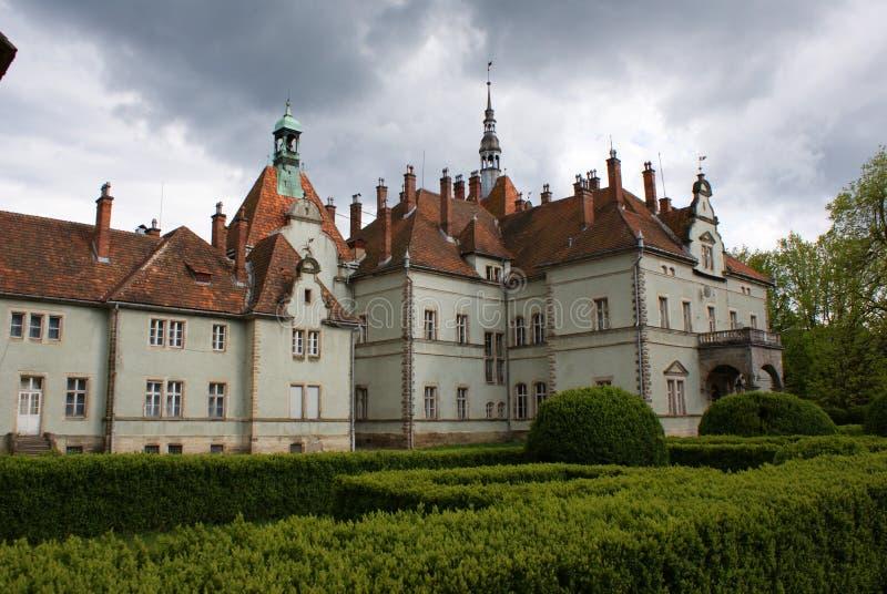 Замок звероловства отсчета Schonborn в Carpaty стоковые изображения rf
