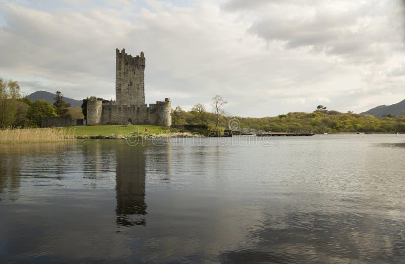 замок Ирландия killarney около ross стоковое изображение