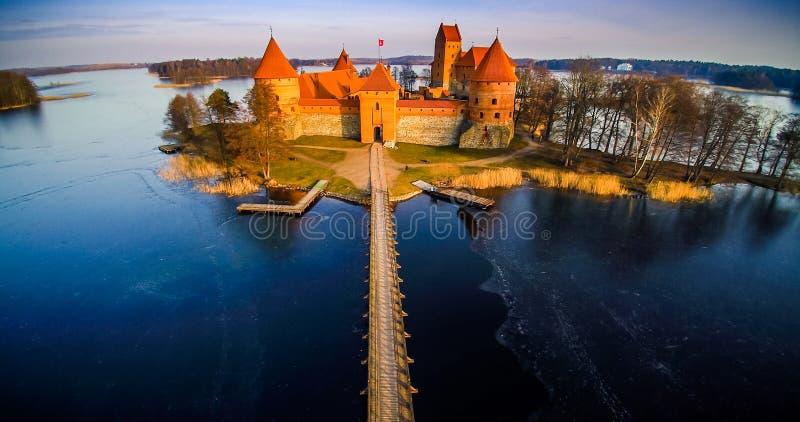 Замок и озеро стоковые фото