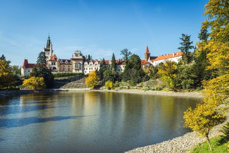 Замок и парк Pruhonice в чехии стоковые фото