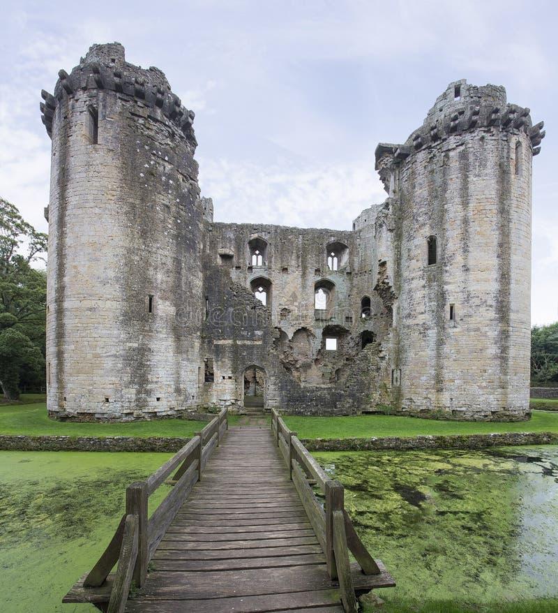 Замок и ров Nunney стоковые изображения rf