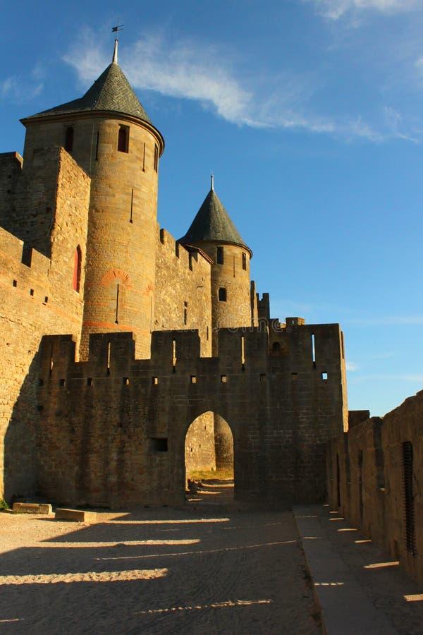 Замок Каркассон внутри стен стоковое изображение