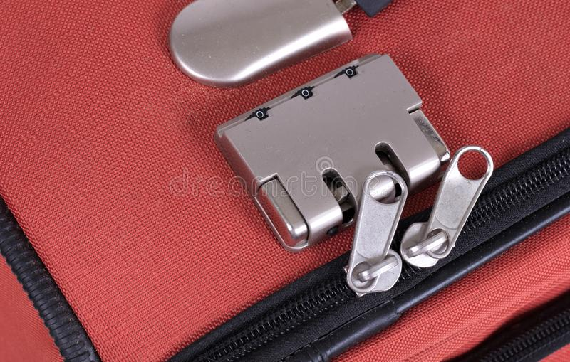 Замок комбинации на сумке перемещения чемодана Номер, сталь стоковые изображения rf