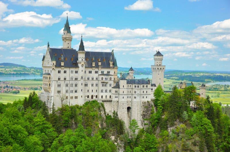 Замок на лете, Бавария Нойшванштайна, Германия стоковое изображение