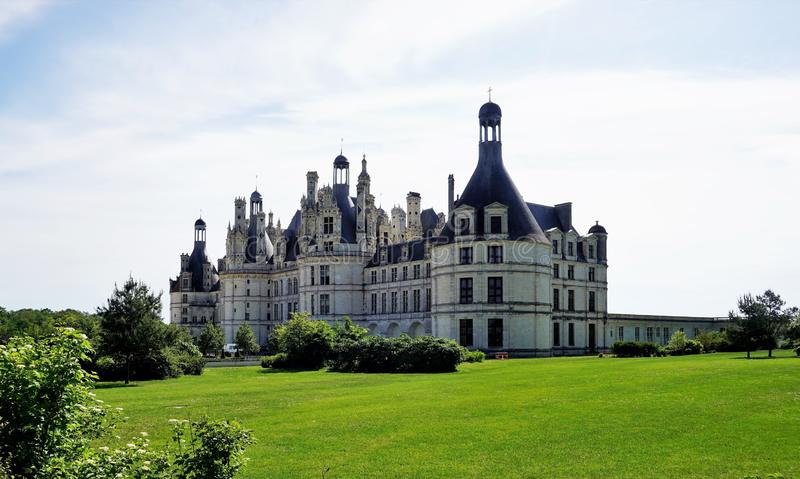 Замок-одн Chambord чудесных замков вдоль реки Луары стоковое изображение