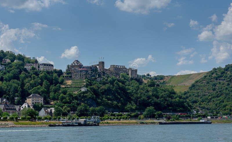 Замок руин вызвал Rheinfels в Германии стоковая фотография rf