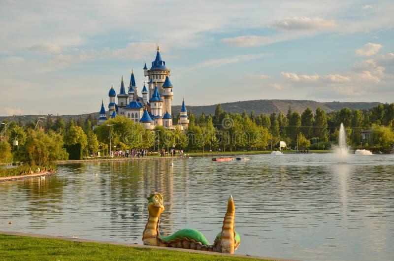 Замок сказки в парке Sazova, Eskisehir, Турции стоковое изображение rf