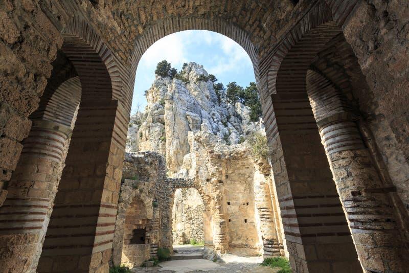 Замок сказки Hilarion в северном Кипре стоковая фотография rf