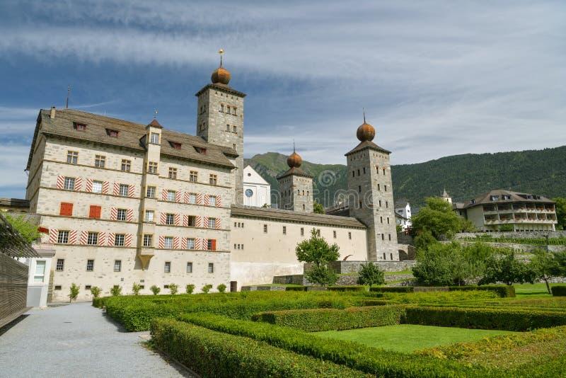 Замок Стокальпер в небольшом городе Бриг в кантоне Вале, Швейцария стоковые фотографии rf