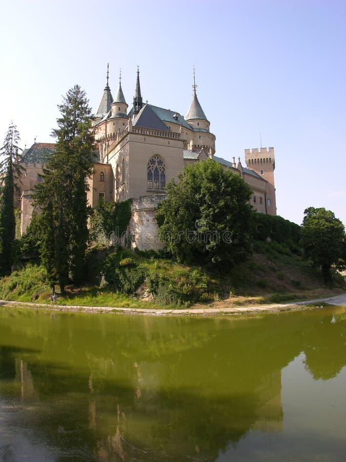 Download замок стоковое изображение. изображение насчитывающей волшебство - 486031