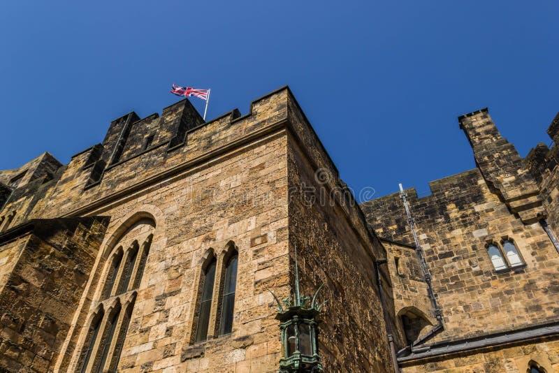 Замок Alnwick в Нортумберленде, Англии стоковые изображения