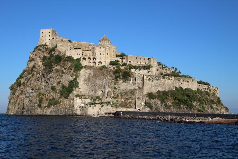 Замок Aragonese, Италия стоковые фотографии rf