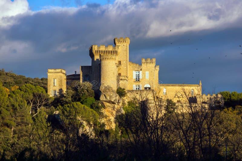Замок Barben Ла средневековый на заходе солнца стоковые фотографии rf