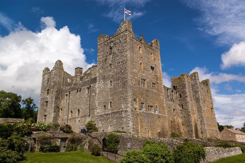 Замок Bolton - средневековый замок - участки земли Йоркшира - Великобритания стоковая фотография