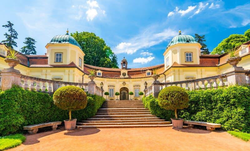 Замок Buchlovice, чехия Старый экстерьер наследия построенный в стиле барокко Известное туристское назначение в южной Моравии стоковые изображения