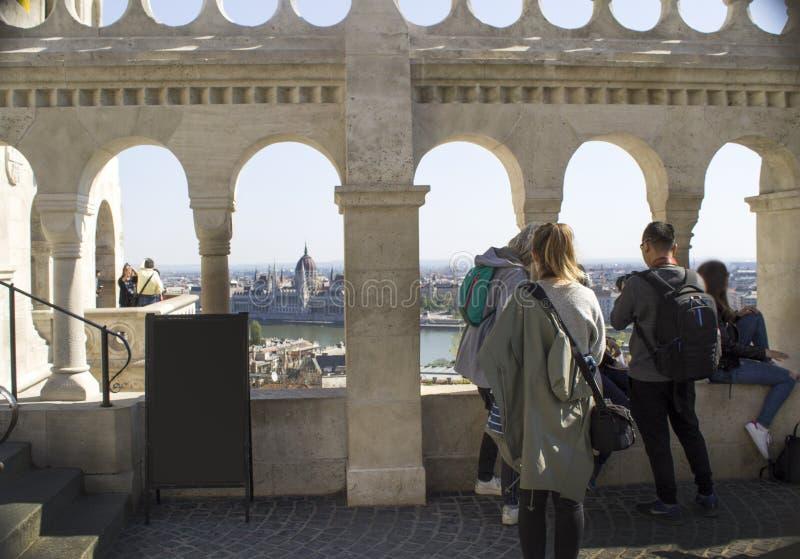 Замок Buda - взгляд от бастиона рыболова в Будапеште стоковое изображение