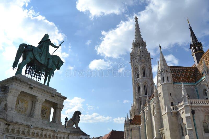 Download замок budapest стоковое фото. изображение насчитывающей львев - 40580826