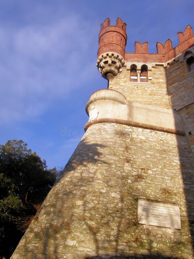 замок de albertis