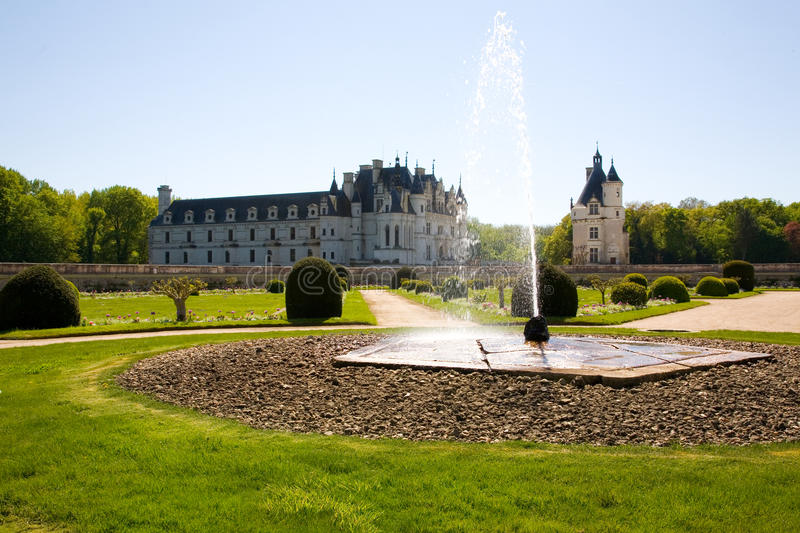 Замок de Chenonceau осветил контржурным светом стоковые изображения rf