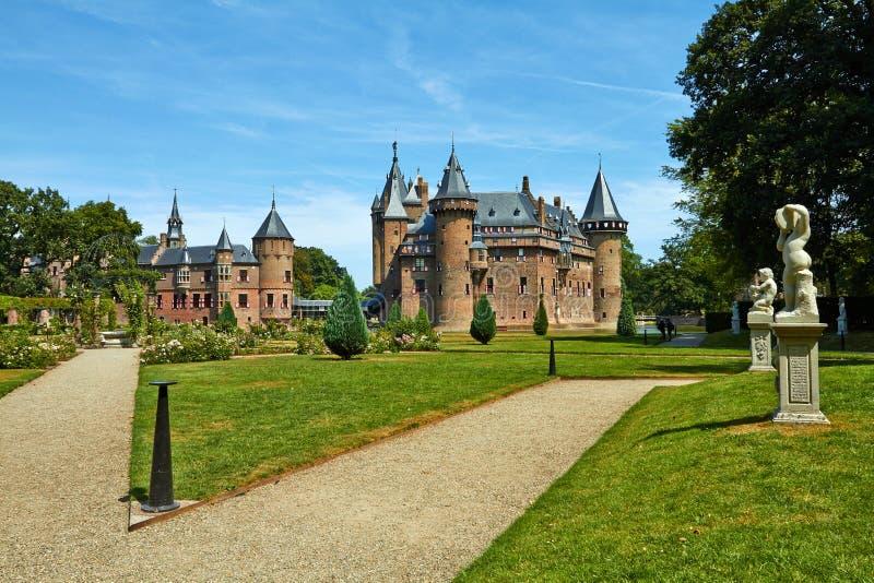 Замок De Haar расположен, в провинции Utrecht в Нидерланд, 1892 Красивый замок на воде стоковые изображения rf