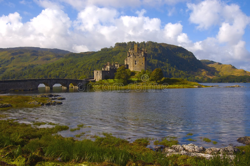 замок donan eilean Шотландия стоковые фотографии rf