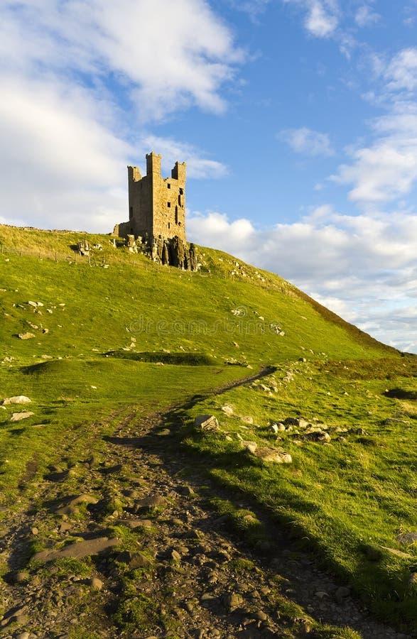 Замок Dunstanburgh, Northumberland стоковые фото