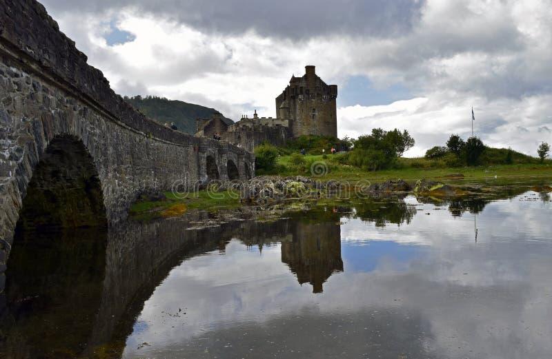 Замок Eilean Donan крепость тринадцатого века стоковое изображение rf