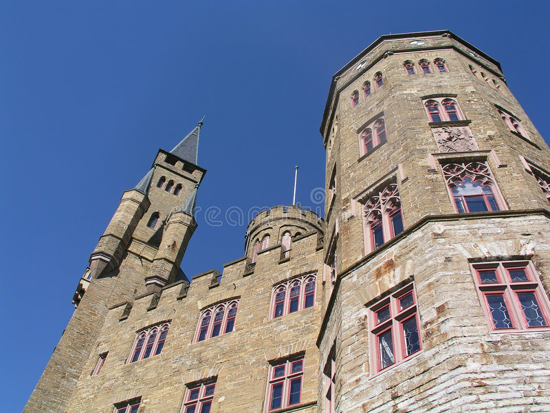 Download замок hohenzollern стоковое изображение. изображение насчитывающей историческо - 475481