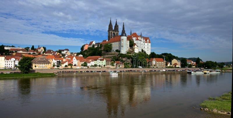 Download Замок Meissen стоковое фото. изображение насчитывающей bluets - 41650168