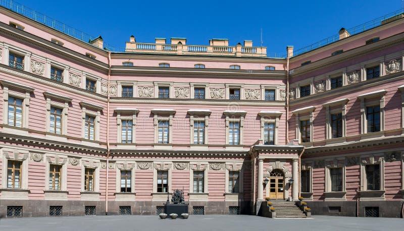 Замок Mikhailovsky, Sankt Петербург, Россия стоковое изображение rf