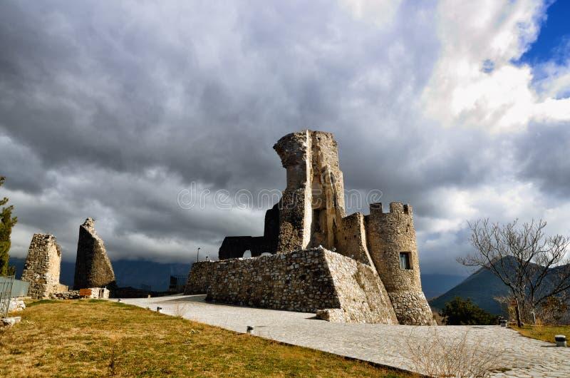 Замок Morano Calabro, национального парка Pollino, Италии стоковые фото