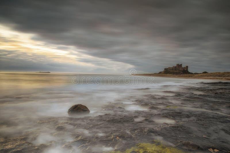 замок northumberland Великобритания bamburgh стоковая фотография