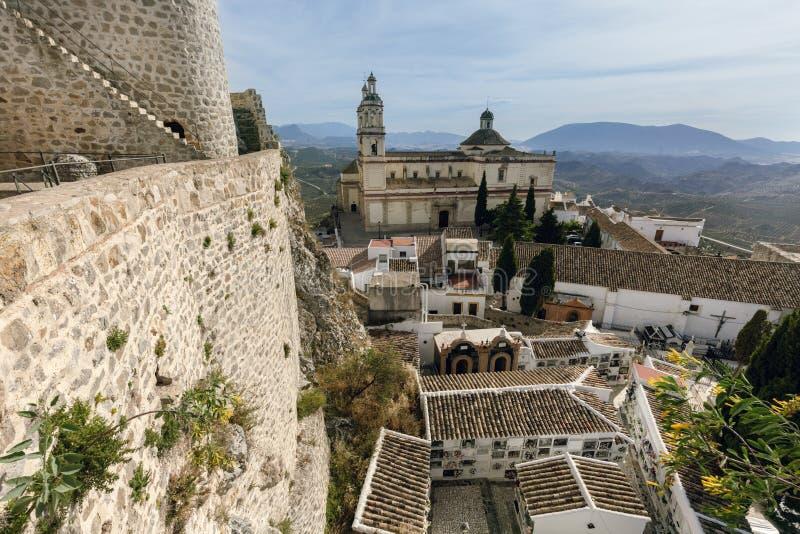 Замок Olvera и приход нашей дамы вочеловечения стоковая фотография