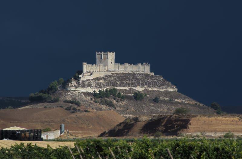 Download Замок Penafiel, Valladolid стоковое изображение. изображение насчитывающей строя - 26798675