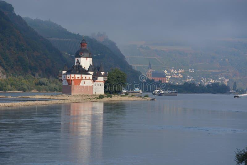 Замок Pfalzgrafenstein в реке Рейне стоковое изображение rf