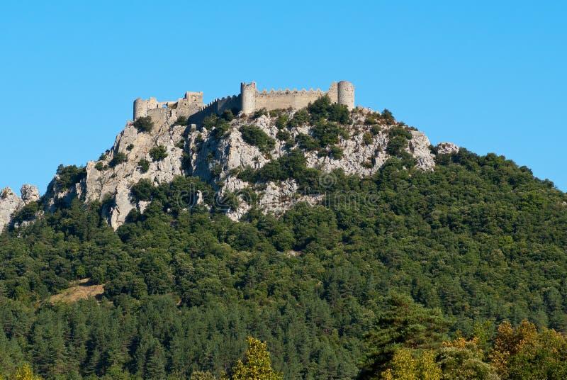 Замок Puilaurens от стороны стоковое фото rf
