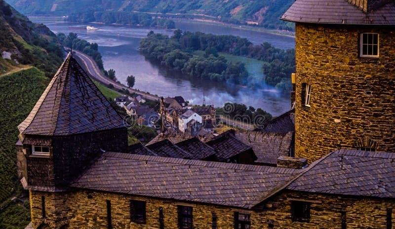 Замок Stahleck на реке Mosel в Германии стоковые фото