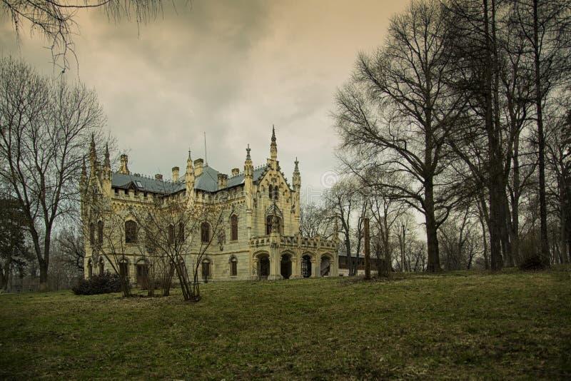 Замок Sturdza в Miclauseni Румынии стоковые фотографии rf