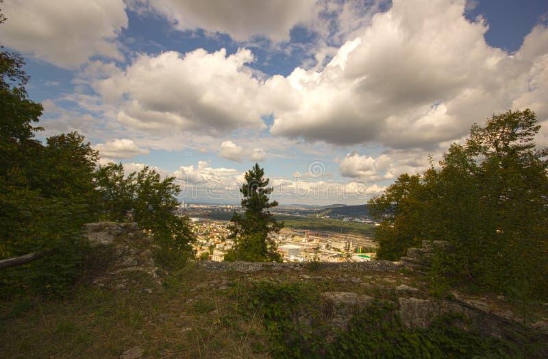 Замок Wartenbert в деревне Muttenz стоковые фотографии rf