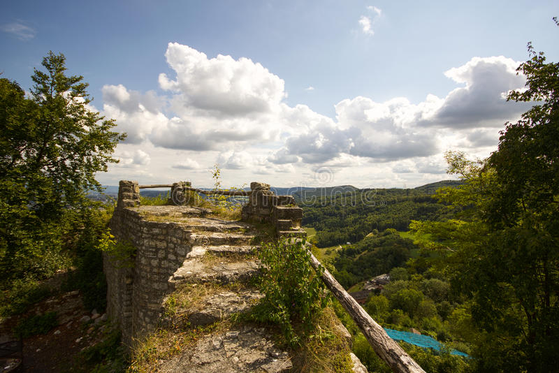 Замок Wartenbert в деревне Muttenz стоковая фотография
