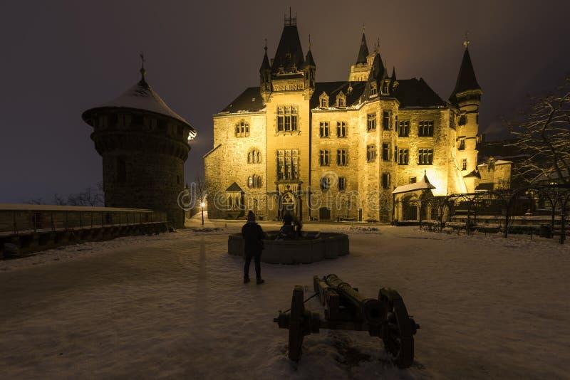 Замок Wernigerode в зиме в Германии стоковые изображения rf