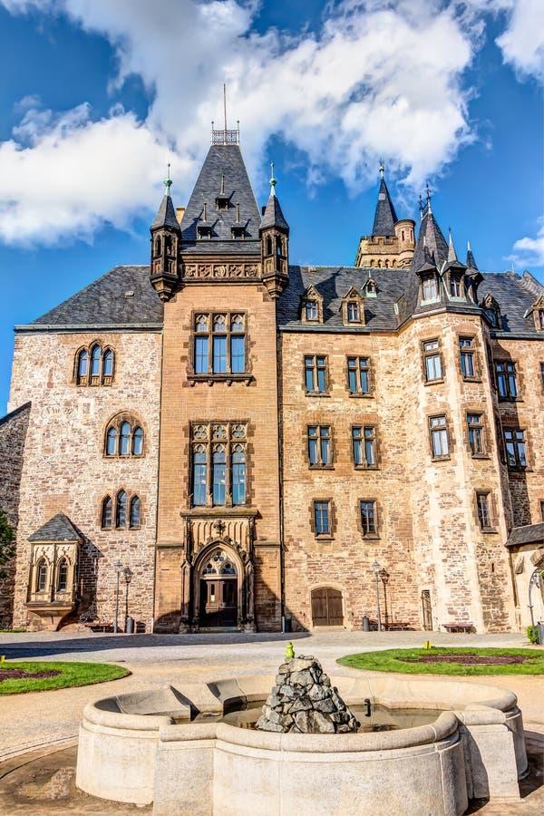 Замок Wernigerode в Саксонии-Anhalt стоковое фото rf